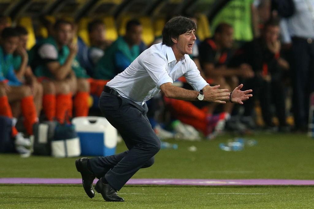 Tyskland-trener Jogi Löw var både høyt og lavt under møtet med Nederland.